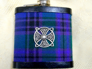 tartan-hip-flask-with-celtic-shield-spirit-of-bannockburn-scottish-plaid
