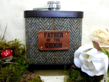 Father of the Groom Rustic theme wedding gift.  Harris Tweed hip flask for rural or woodland wedding,  made in Scotland