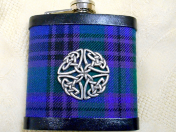 Tartan hip flask with round celtic knot in Spirit of Bannockburn plaid made in Scotland gift