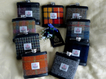 Nine different tweeds for corporate gifts
