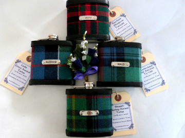Custom tartan flasks with individual engraved names for Best Man, Father of Bride or groomsmen .Scottish luxury gift in sets of 3 - 6