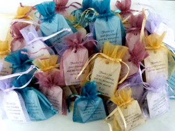 Favours - Harris Tweed keyrings in organza pouches